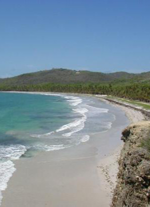 Rent a car in Martinique to go to the beach of Grand Macabou
