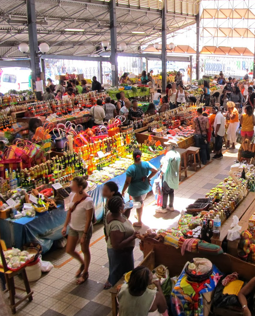 Rent a car in Martinique to go to the covered market of Fort-de-France