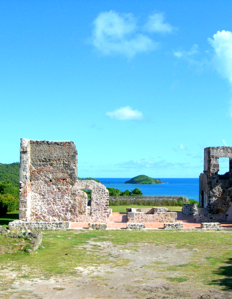 Rent a car in Martinique to go to Chateau Dubuc